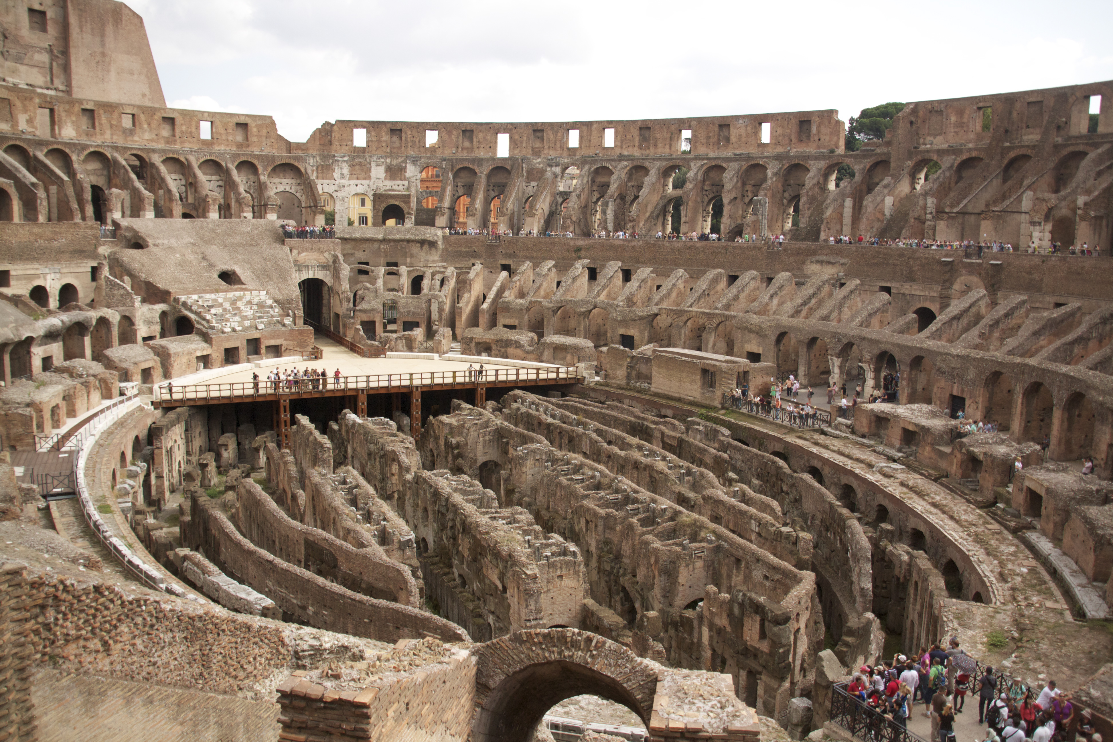 4 Weddings and the Coliseum – Rome Campus Blog