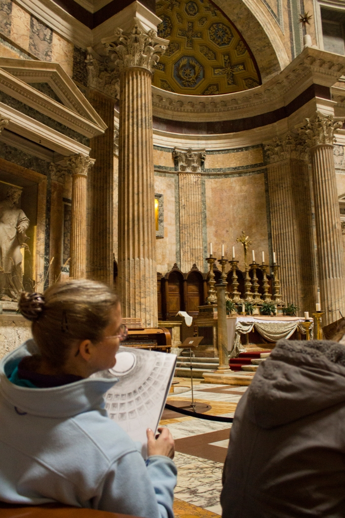 Sketching inside the Pantheon
