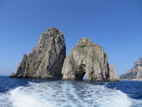 Capri Lovers Arch