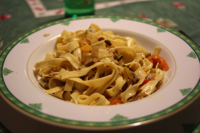 Some evenings I go my Italian relative's house for dinner: Fettuccine with Veggies