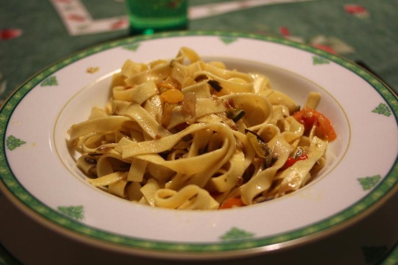 Some evenings I go my Italian relative's house for dinner: Fettuccine with Veggies