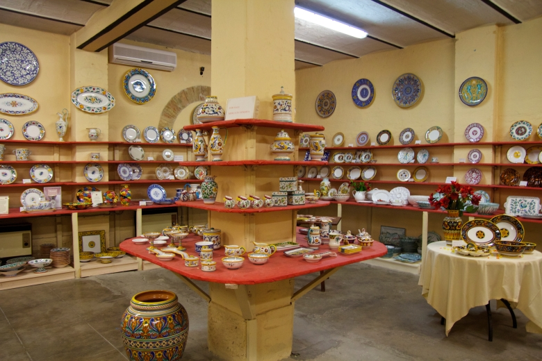 Grazie Ceramics shop