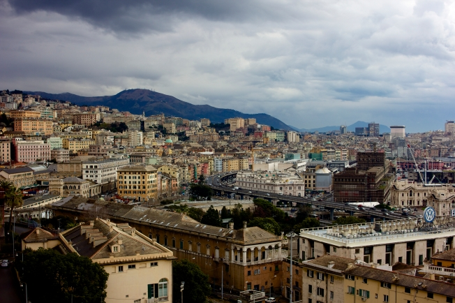 A nice thing about knowing people, is getting to see a beautiful view of Genova like this for free.