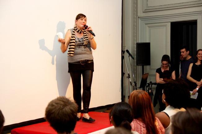 This comedian who puts on english comedy show in rome, told us the 10 most annoying thing about rome. =P