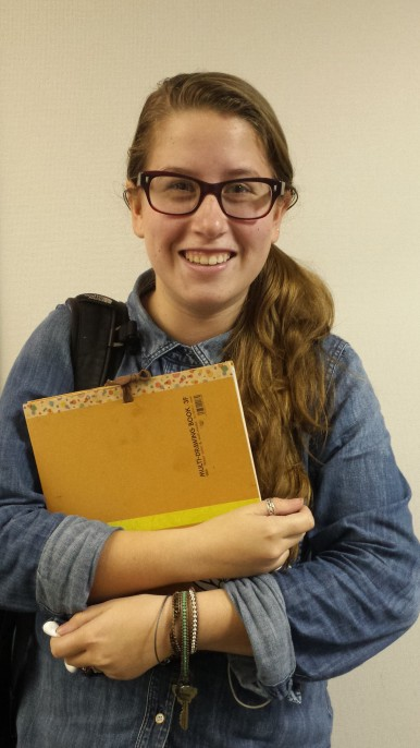 Study abroad student, Lilly, likes to set short term goals and incentives for studying.