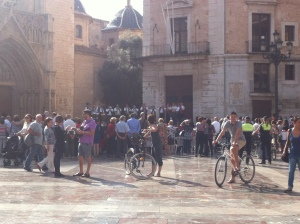 Valencian Flute in Plaza de La Virgen