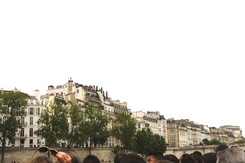 Paris_HousesFromTheSeine_MadelineClugston_SS16