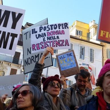 """""""il posto per una donna e nella resistenza"""" -the place for a woman is in the resistance"""