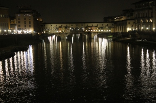 Night view of the Ponte Vecchio