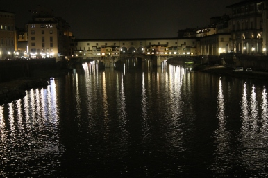 Night view of the Ponte Vecchio