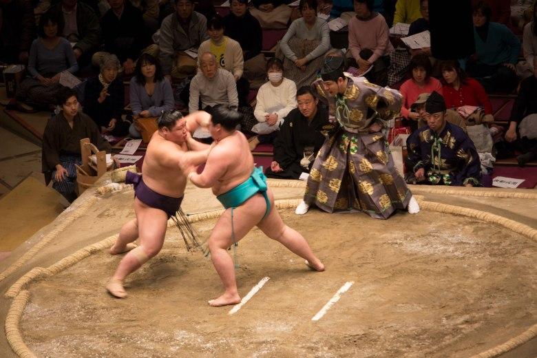 SP18506_Kokugikan_Sumo-Match-Begins_KaylaAmador