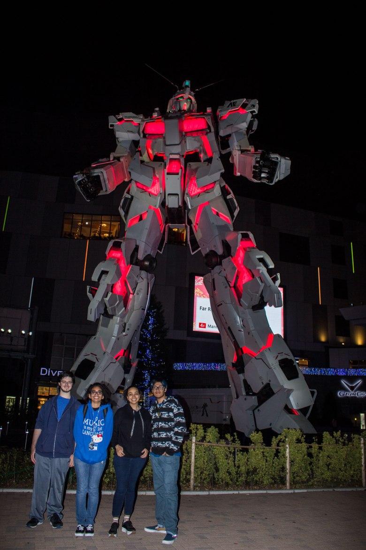 SP18307_Odaiba_Lit Gundam Statue_KaylaAmador