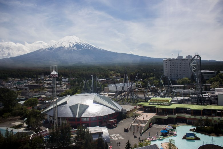 SP18507_Fuji-Q_View of Mt. Fuji from the Ferris Wheel_KaylaAmador